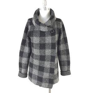 Ellen Tracy L Gray black Buffalo Plaid sweater